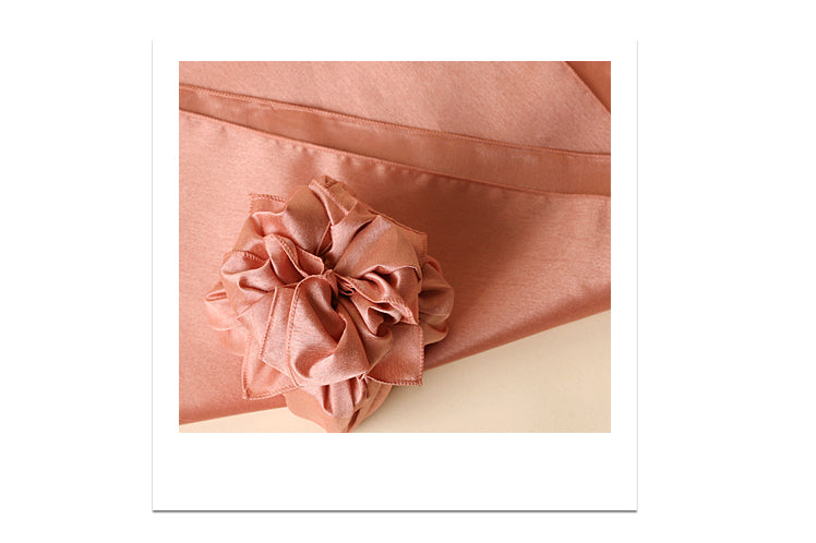 Korean New Year's Day is the perfect holiday to give your loved one a gift using a Bojagi fabric wrapping cloth.