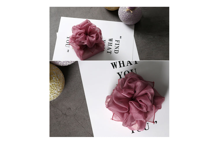 This light purple Korean gift wrapping cloth is perfect for a wedding or special ceremony.