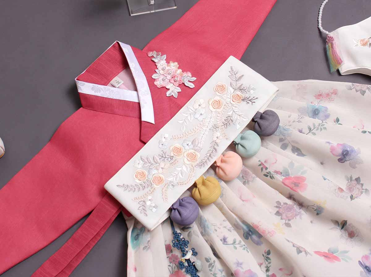 We offer baby girl hanbok in crimson and alabaster for 100 day, 1 year, and 2 year old.
