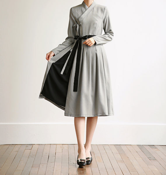 You'll feel refined and like royalty in this ashy-gray modern hanbok dress with checkered print.