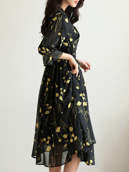 The ebony and lemon colored flower modern hanbok dress is festive for any occasion but casual enough for everyday wear.