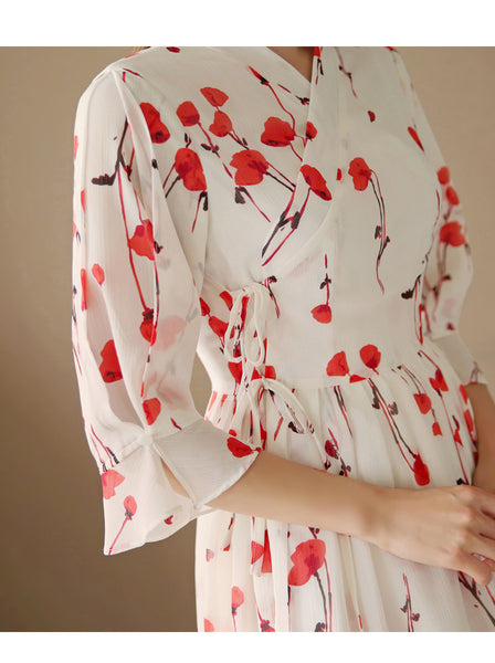 The lovely claret red roses on this light-white modern hanbok dress add a touch of heaven and grace.