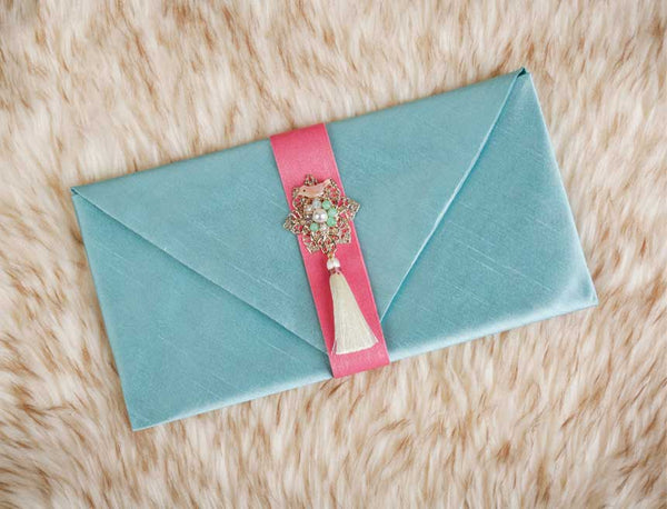 Tassel & Ornament Korean Wedding Money Envelope in Mint that's a popular choice of women because of the femininity of the color. This is often gifted to Korean mothers by their daughter or daughter in law.