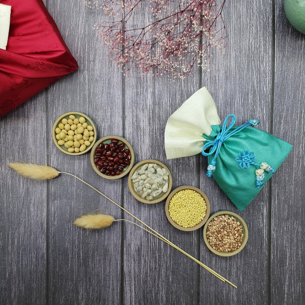 The beans are a symbol of prosperity between the couples. We make sure to add a fortune pouch to our Korean gift set for weddings to ensure couples who receive this will reap as much blessings as possible.