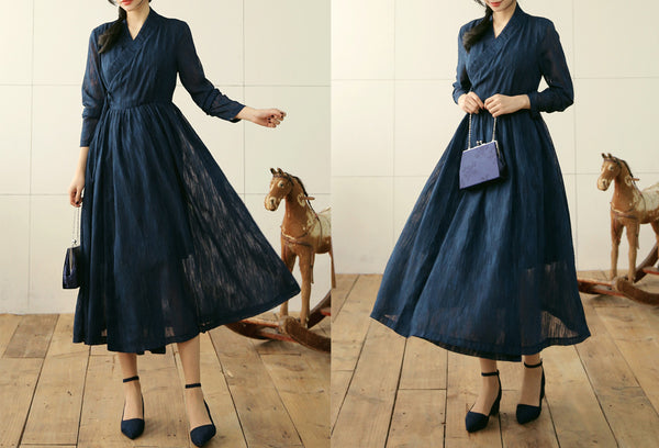 Perfect for any occasion or for everyday wear, this dark cobalt modern hanbok dress is elegant and fashionable.