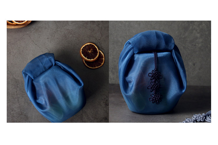Even if the gift is circular, it's so hassle-free to wrap it in this Bojagi fabric cloth in deep blue.