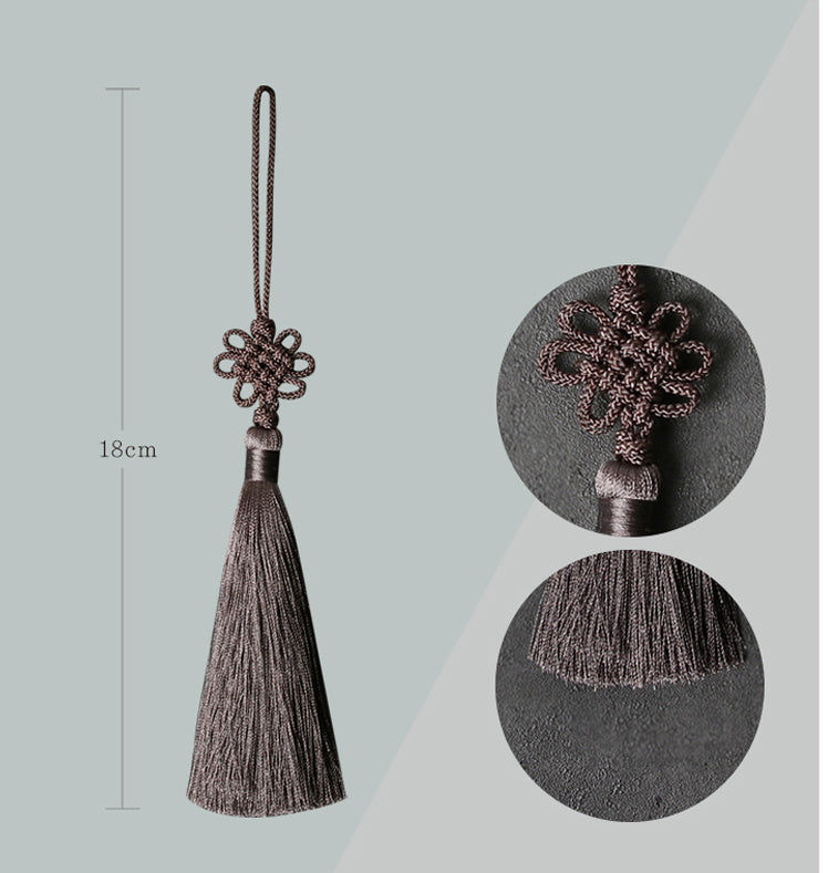 You can see the dimensions of the Classic Chrysanthemum tassel. Dark brown is represented in this image.
