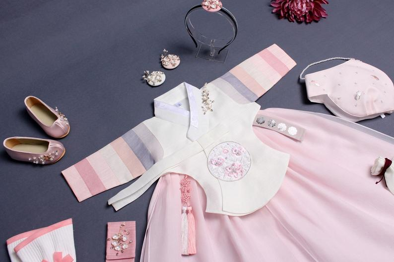 This is a baby girl hanbok with all the selection for Dol
