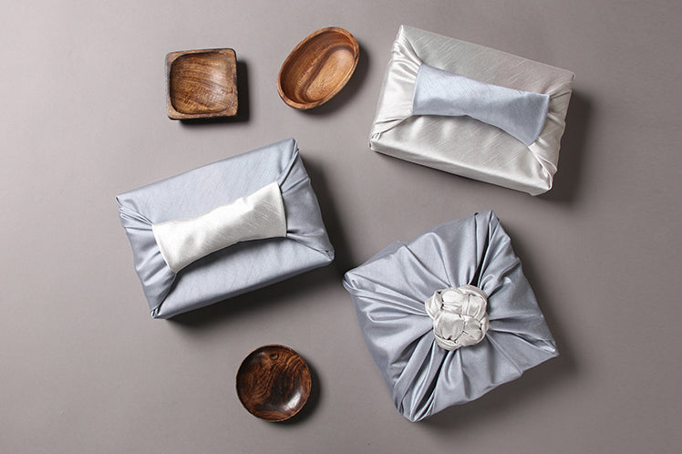 Sky blue and pearl are two color combinations that show you why the fabric gift wrap looks more like Bojagi Art.