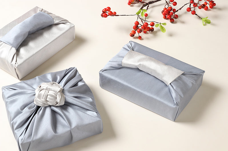 Anyone who receives a gift in this luxury gift wrapping will feel like they won the lottery due to the sheer beauty of it.