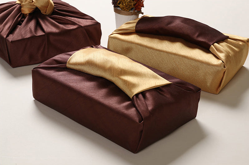Impress your guests with your dark brown and light golden luxury gift wrap that suits Buddha's birthday or Chuseok.