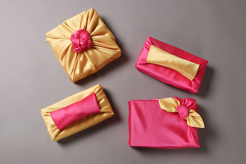 You can make a charming top decoration on the Korean Bojagi gift wrapping cloth to bring a sophisticated look to the finished product.