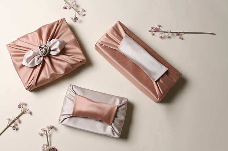 Rose and silver are iconic and it's a beautiful gift wrapping cloth that looks more expensive than it really is.
