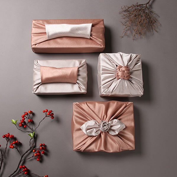 Fuchsia and beige work well together to transform any big or small gift into a masterpiece. Luxury gift wrap adds elegance to any occasion.