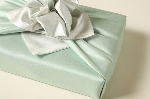 Sap and pewter fabric wrapping paper is timeless for Seollal or Doljanchi.
