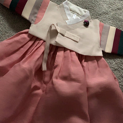 Review of Baby Girl Hanbok from Michelle