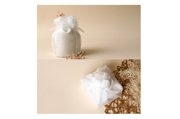 Bojagi gift wrap in this heavenly lily-white color is ideal for anniversary parties and engagement parties.