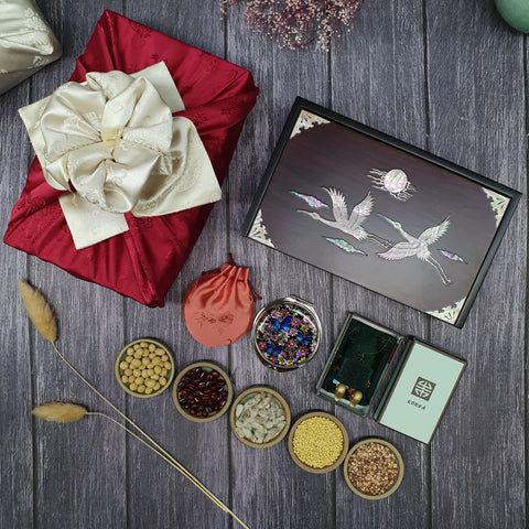 Mother of pearl wedding box that displays the beautiful items included in this Korean wedding gift set.