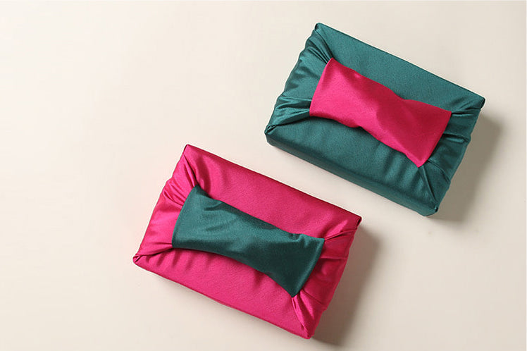 Bojagi wrapping can be used as a luxury wrapping cloth for the Doljanchi, which is practiced in America just as it is in Korea.