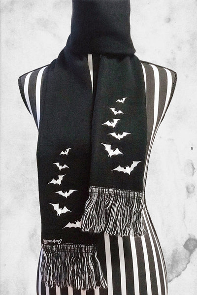 bats winter scarf black luna