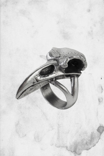 raven ring goth horror jewelry