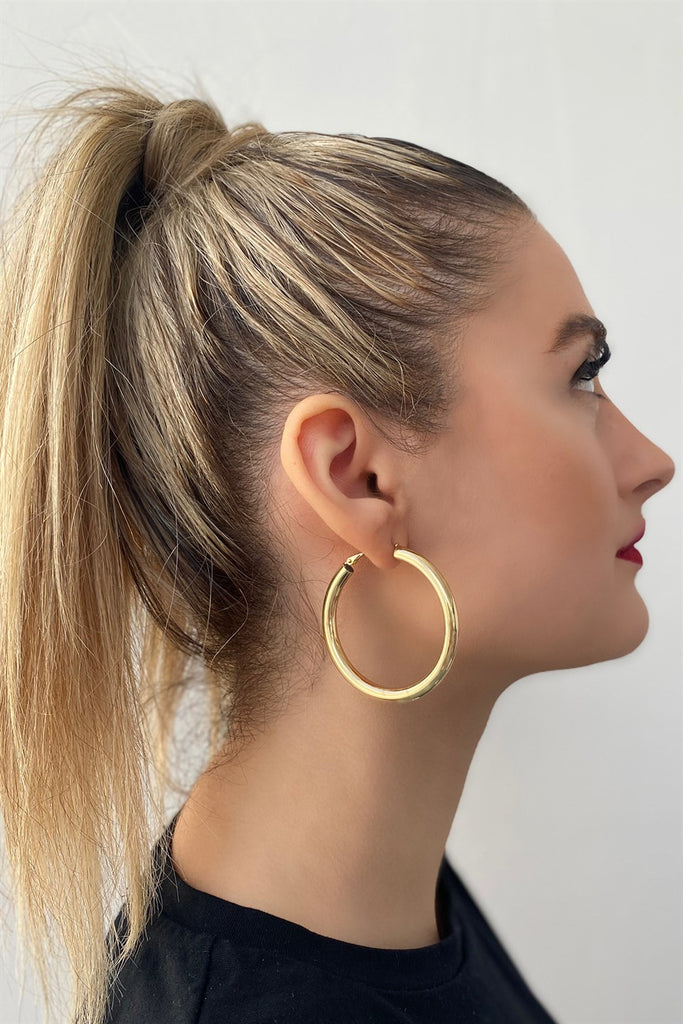Women's Gold Metal Hoop Earrings - 1 Pair