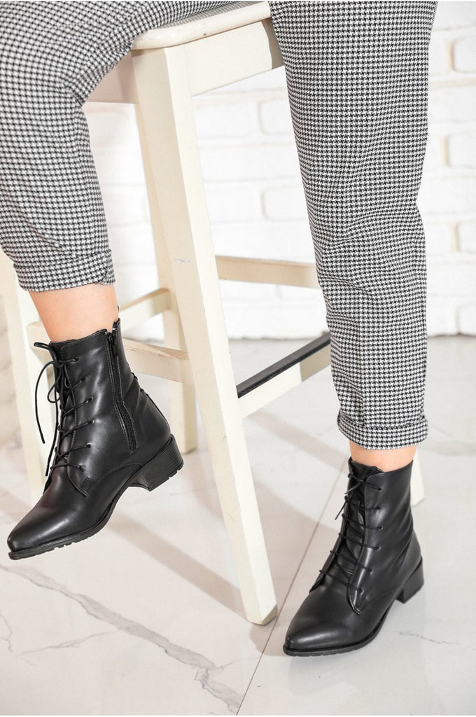 Women's Lace-up Black Leather Boots