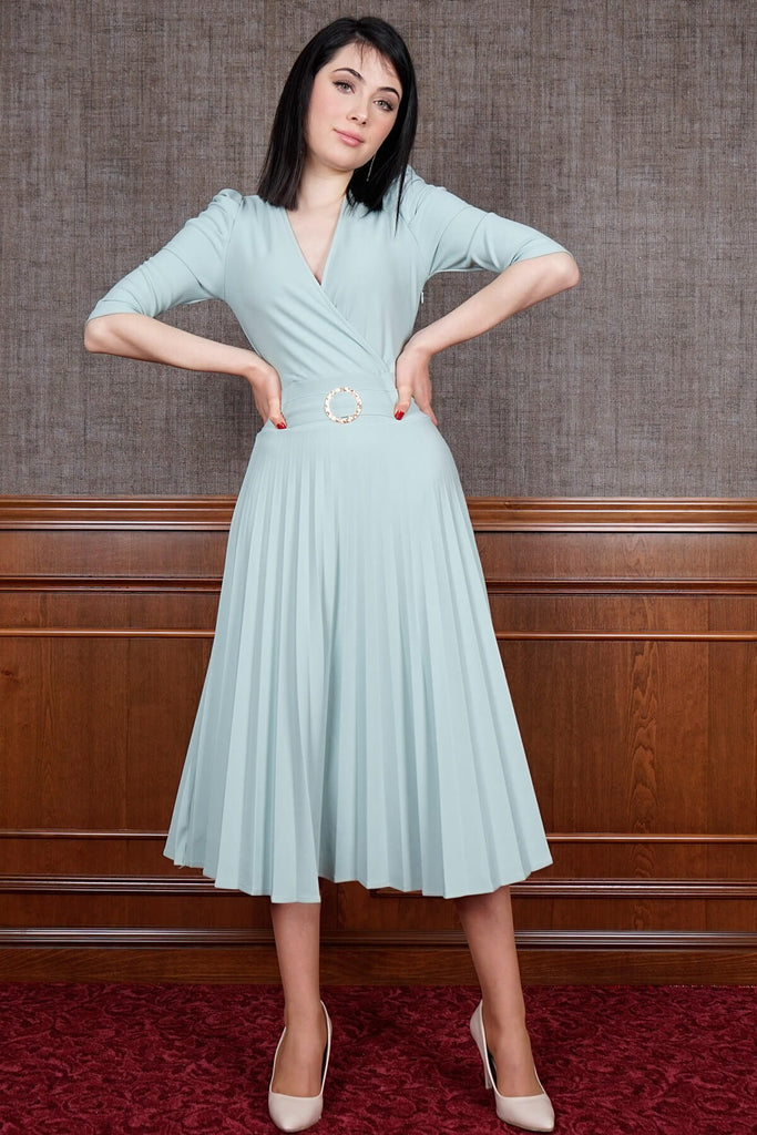 Women's Pleated Mint Green Midi Dress