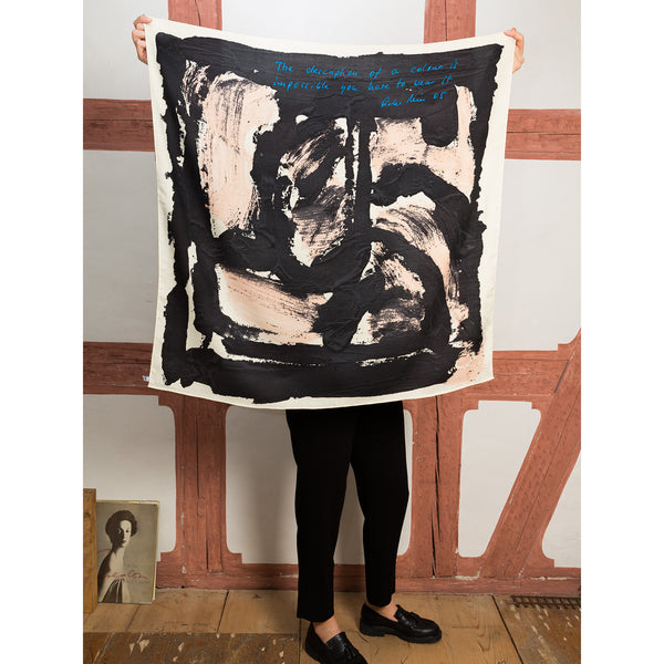 'The description of a colour' scarf rose black