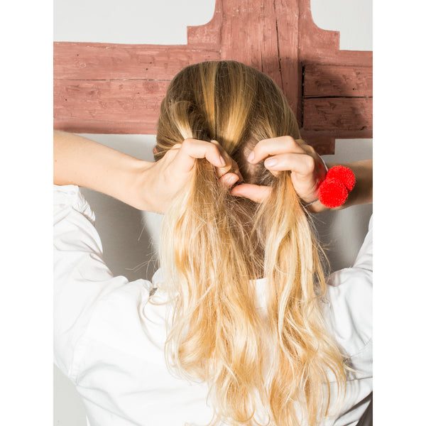 'Pom Pom Hair Tie' red