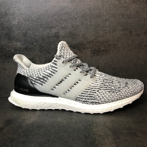 "ADIDAS ULTRABOOST 3.0 ""OREO"" SIZE 11.5 VNDS"
