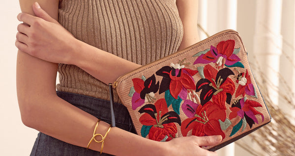Safari Clutch In Floral Punch