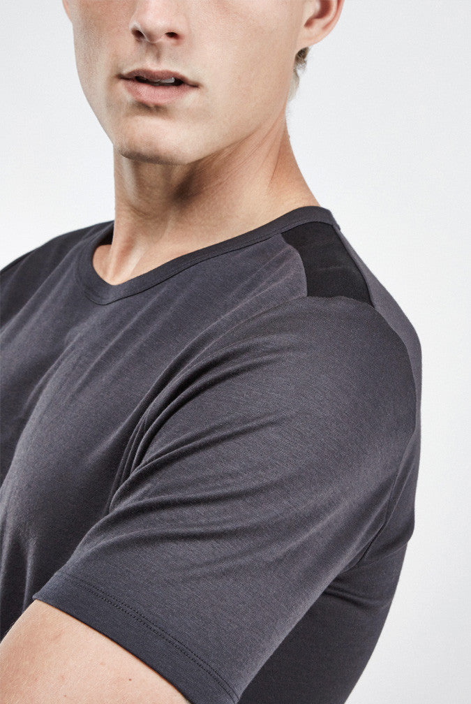the white briefs fitted classic crew neck t-shirt in 100% organic pima cotton