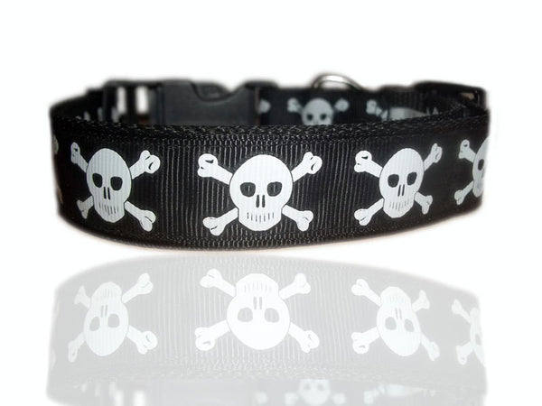 Ship Mate Skull & Crossbones Dog Collar & Bandana Set