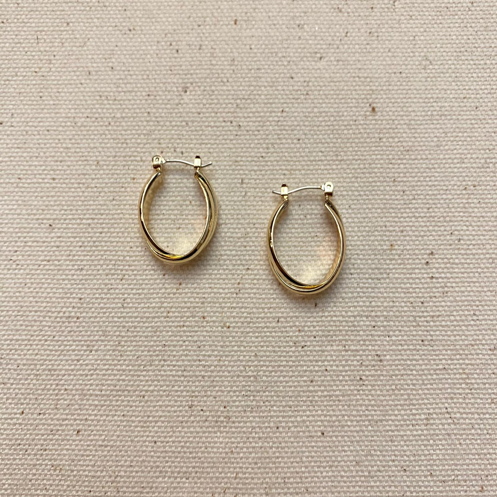 Oval Latch Hoop Earrings | Gold