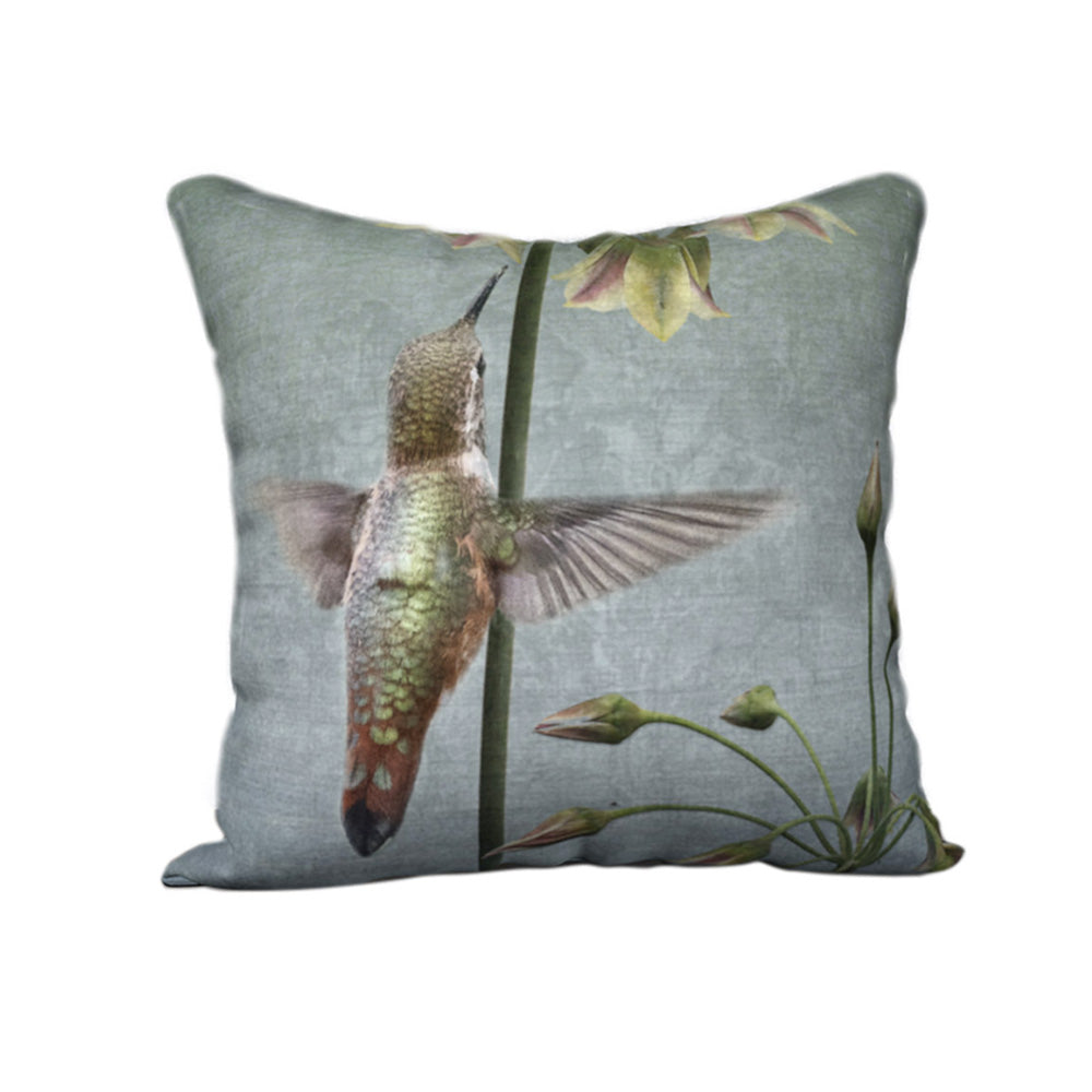 Rufous Hummingbird with Flowers — Bird Cushion Cover