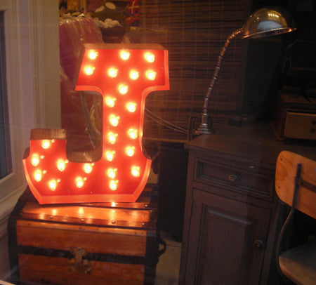 Carousel letter light