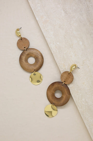 Bohemian Statements in Wood and Gold Jewelry Etikka