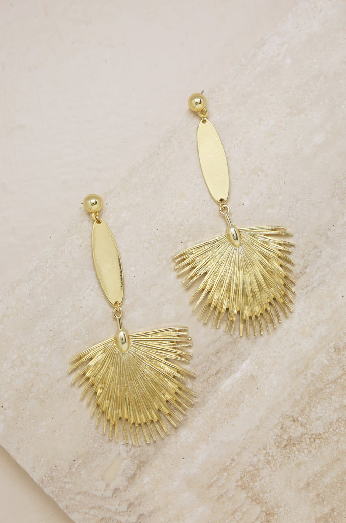 Havana Fan Earrings in Gold Jewelry Etikka