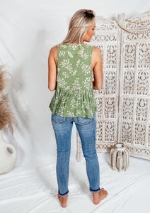 Fallon Green Floral Top Tops Dakotas