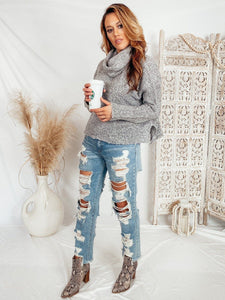 Aspen Slouchy Turtle-Neck Sweater Process Illa illa