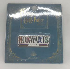 Universal Studios Harry Potter Hogwarts Alumni Magnet New with Card