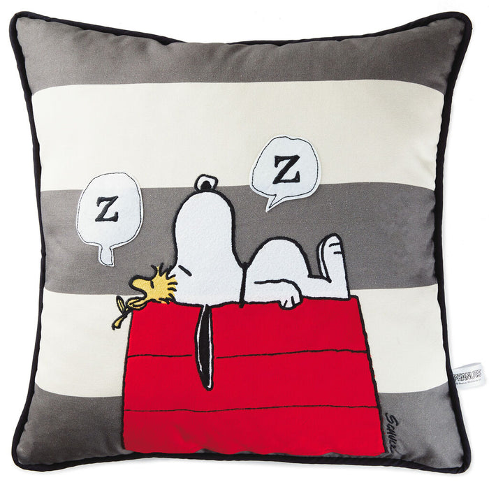 Hallmark Peanuts Snoopy Sleeping on Doghouse Throw Pillow 20x20 New with Tag