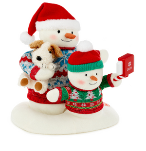 Hallmark Cozy Christmas Selfie Snowman 2020 Singing Plush New with Tag