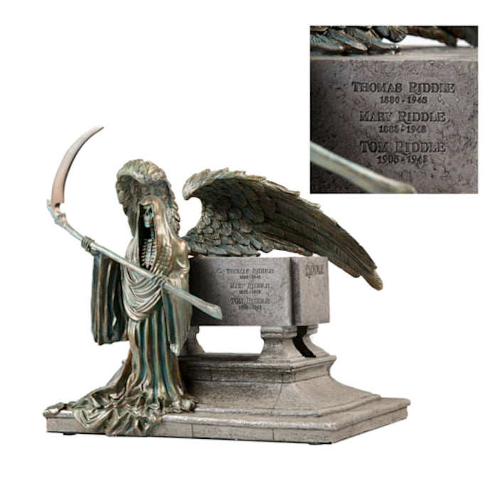 Universal Studios Harry Potter Tom Riddle Gravestone Resin Figurine New