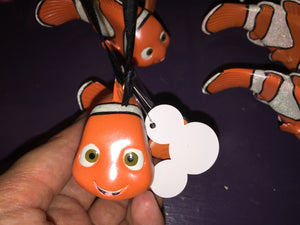 disney parks resin finding nemo christmas ornament new with tag