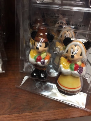 disney parks salt and pepper shakers mickey and minnie pilgrims new with box