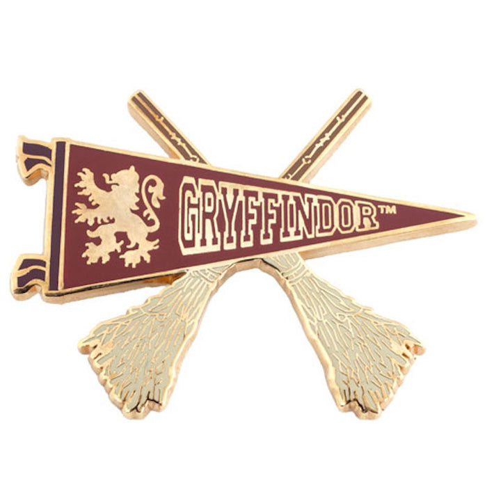 Universal Studios Harry Potter Gryffindor Quidditch Pennant Pin New with Card