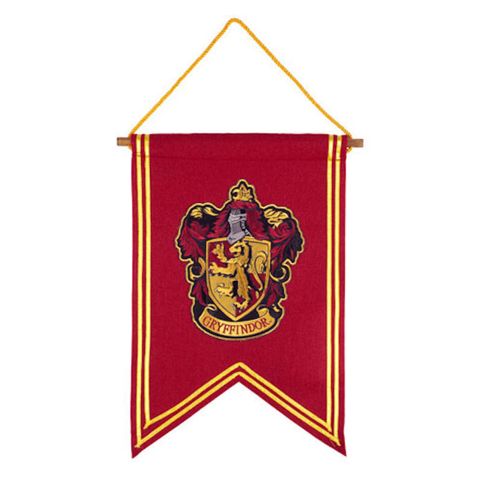 Universal Studios Harry Potter Gryffindor House Crest Banner New with Tags