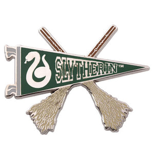Universal Studios Harry Potter Slytherin Quidditch Pennant Pin New with Card
